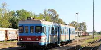treno fse binari stazione